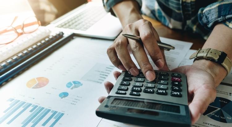 Custos fixos de caminhões: como calcular?