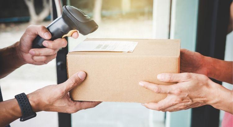 Como a logística pode contribuir para melhorar a experiência do cliente